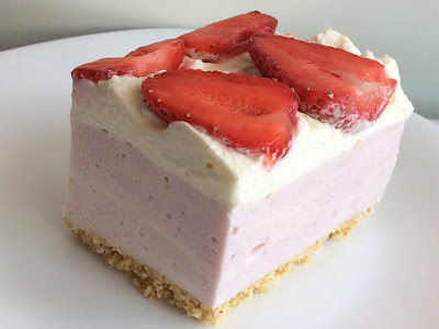 Ciasto z truskawkami bez pieczenia
