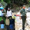 Kapendam XIV/Hasanuddin,Prajurit Merintis Jalan Dengan Membelah Gunung