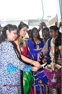 Raasi Khanna Inagurated R.S Brothers at Kothapet  0221.JPG