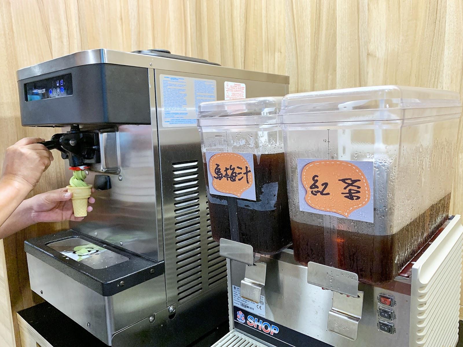 台南美食小石鍋的霜淇淋機器