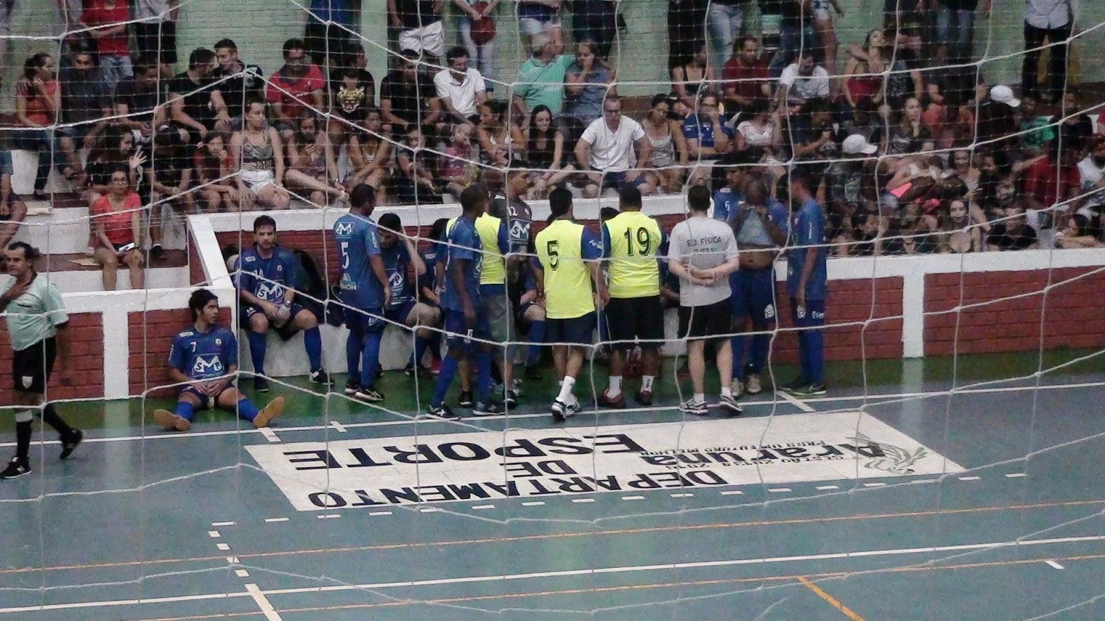 A equipe da Associação Eliane Futsal participa da 1ª Copa de Futsal  Regional Pinelli Max Mercado de Araruna com os patrocínios da SP Parafusos 03af1cd2f5419