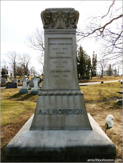 Tumbas de los Borden en el Oak Grove Cementery