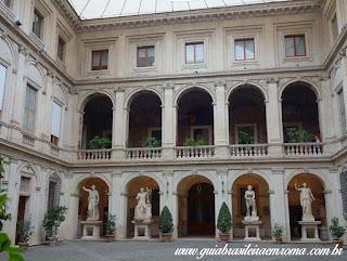 Palácio Altemps, Museu de Roma, pátio, com guia em portugues