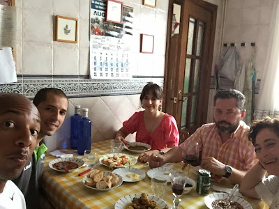 Family lunch with homemade delicacies and good Spanish conversation