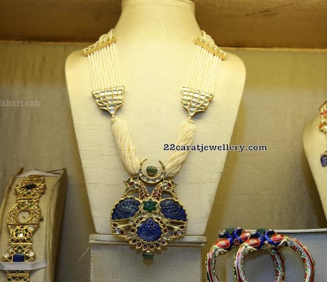 Blue Sapphire Pakshi Pendant