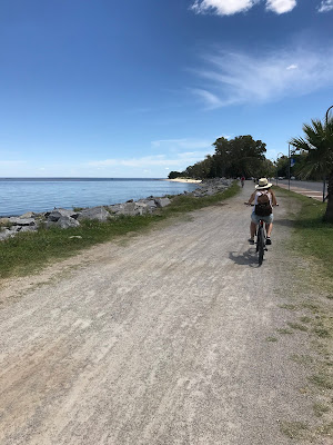 paseo en bici por la rambla