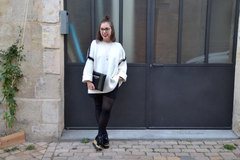 pull blanc zara couture noire, short noir Pimkie, derbie plateform noire Smmydress