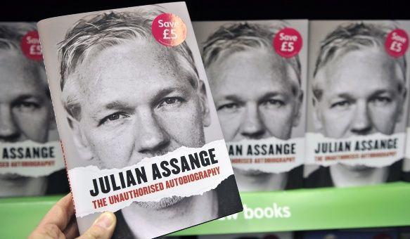 Assange cumple cinco años en la embajada de Ecuador en Londres