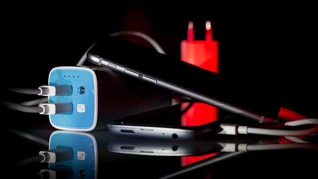 El estado de batería del teléfono móvil sirve como un instrumento para espiar al usuario