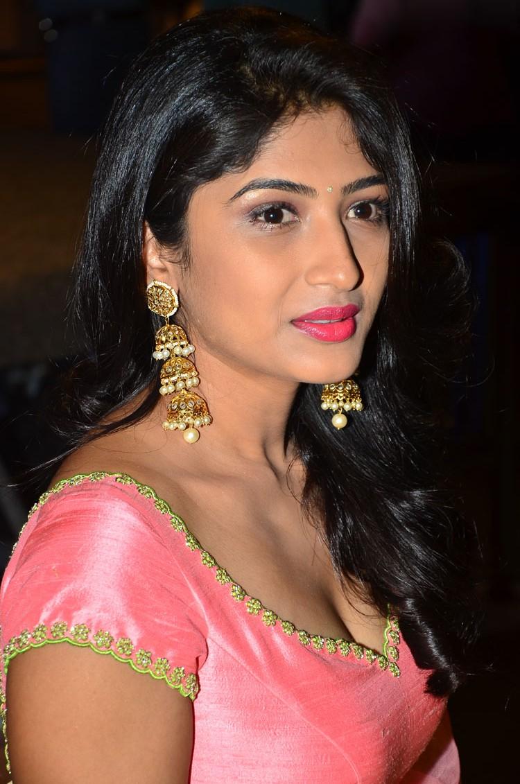 Roshini Prakash, Saptagiri Express Trailer