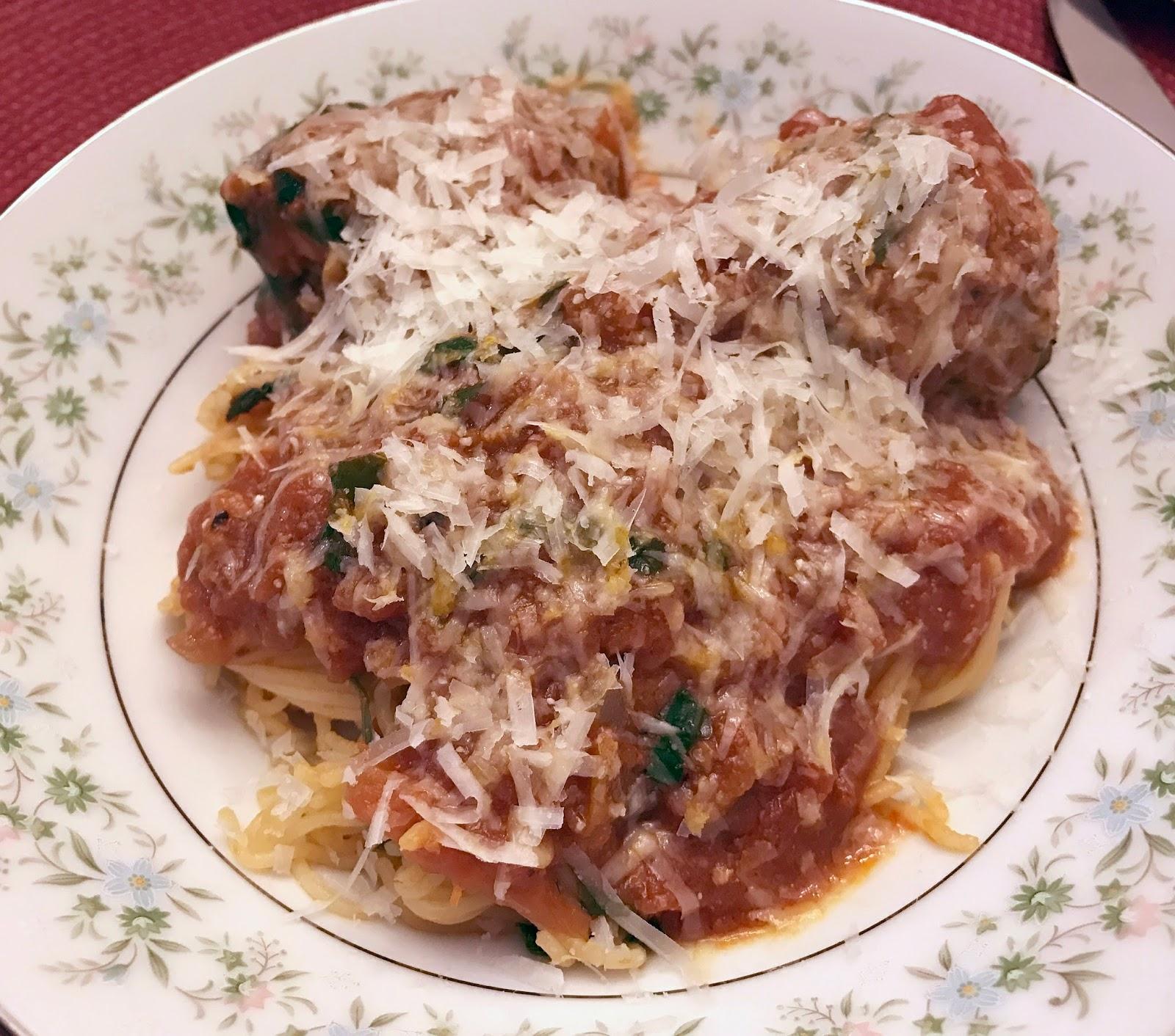 Culturally Confused Two Meatballs In The Italian Kitchen Polpettine Con Spaghetti Meatballs