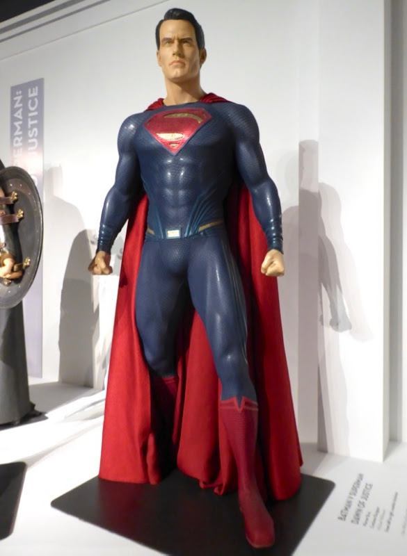 Henry Cavill Dawn of Justice Superman movie costume