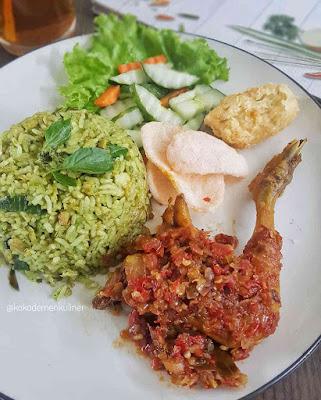 Menu Nasi Ayam Cabe Ijo