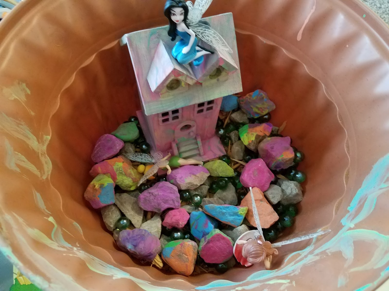 Kidspert: How To Make A Fairy Garden The Kids Can Play With