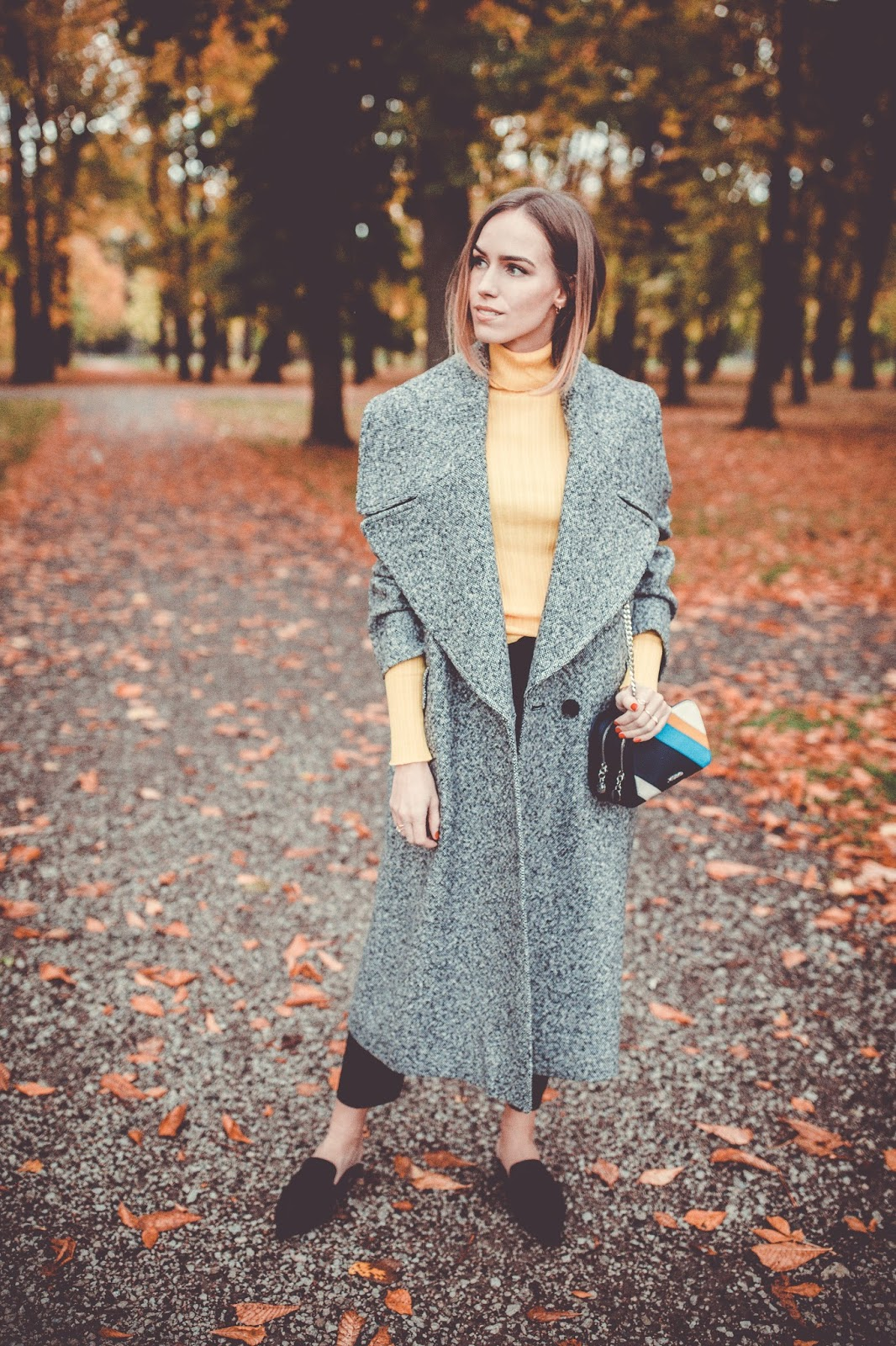 grey oversized coat minimalist fall outfit