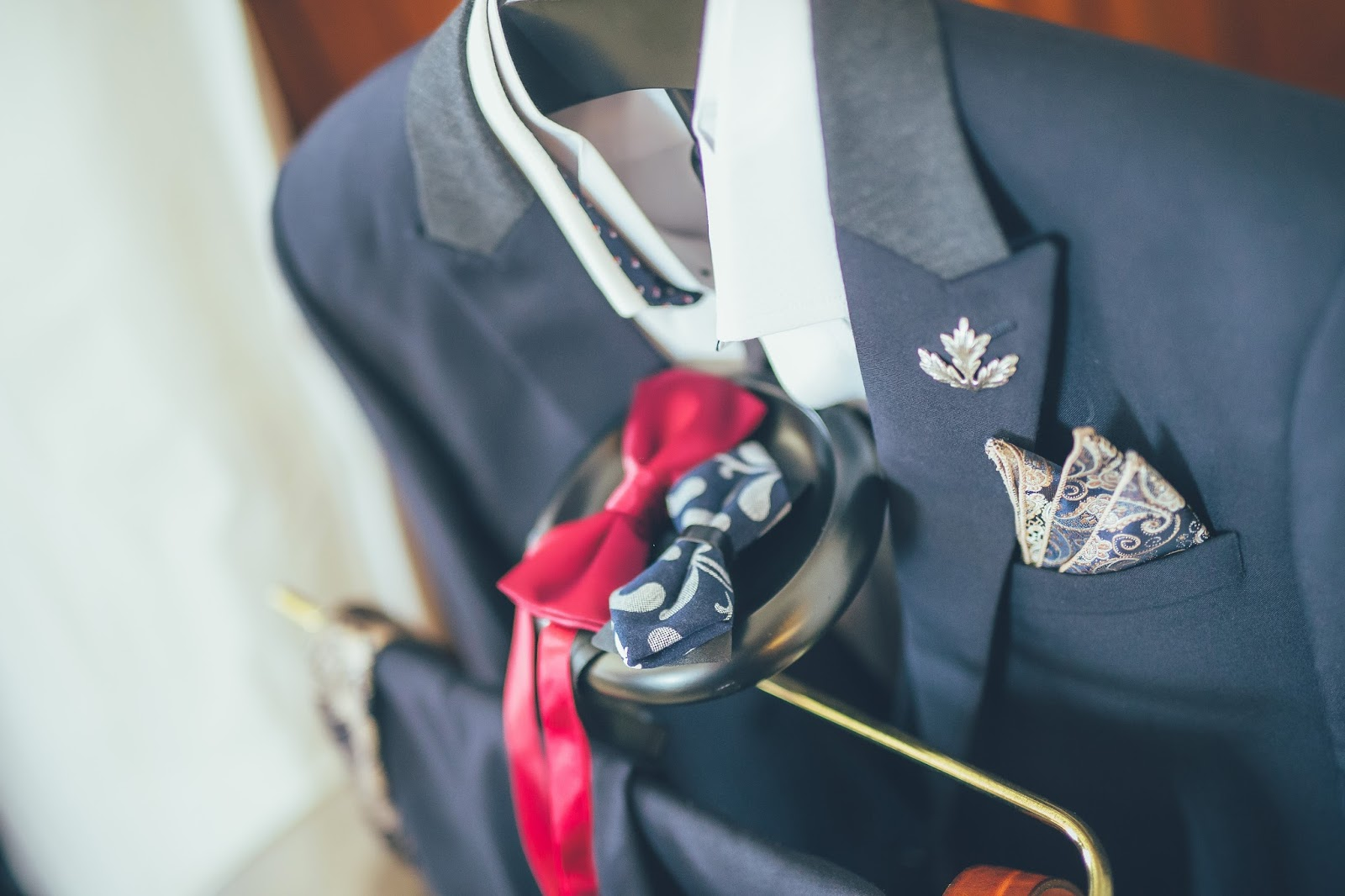 Venta 話來畫趣: [wedding] 新郎也要帥帥的,西裝&配件哪裡買? (含自製伴郎胸針)