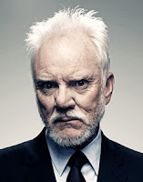 Malcolm McDowell - Malum