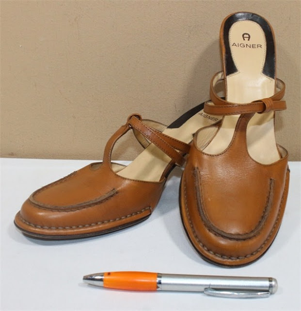 jual tas second bekas original asli sling selempang louis vuitton sneaker  boots sepatu lv tumi koper. AIGNER b9cf4c130f
