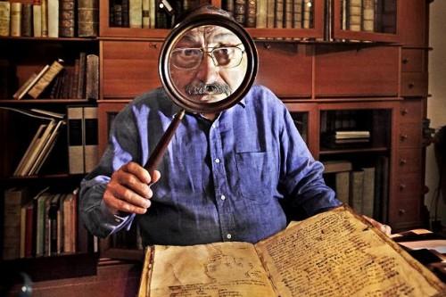 Umberto Eco in his studio