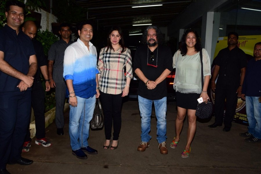 "Shilpa Shetty and Sachin Tendulkar During The Special Screening of film ""Sniff"""