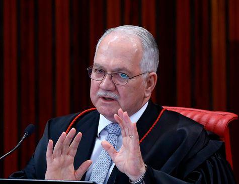 Fachin nega pedido do suplente de Queiroz e caso vai ao pleno