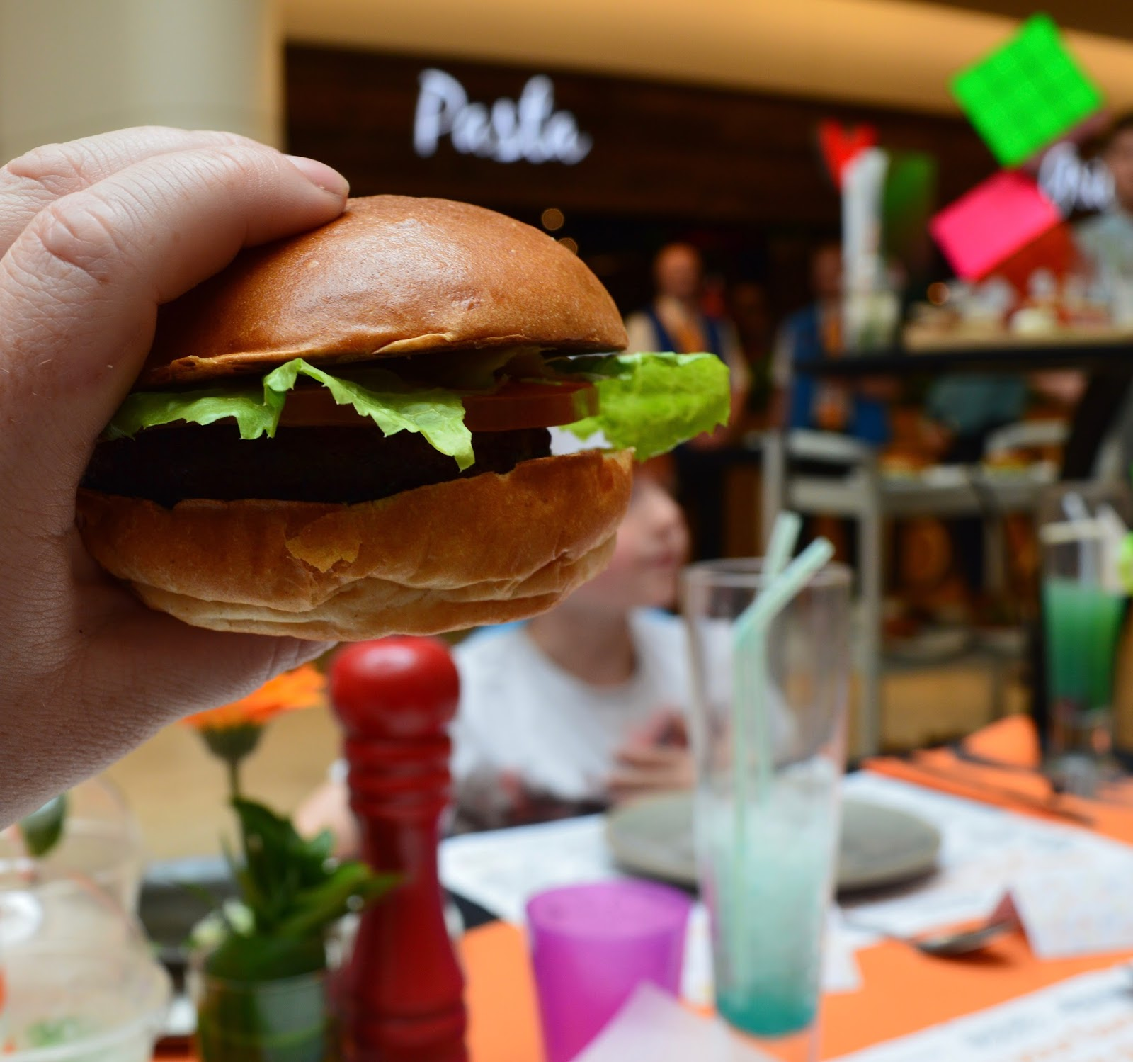 Our Guide to Family Restaurants & Children's Menus at intu Metrocentre - Byron Burger