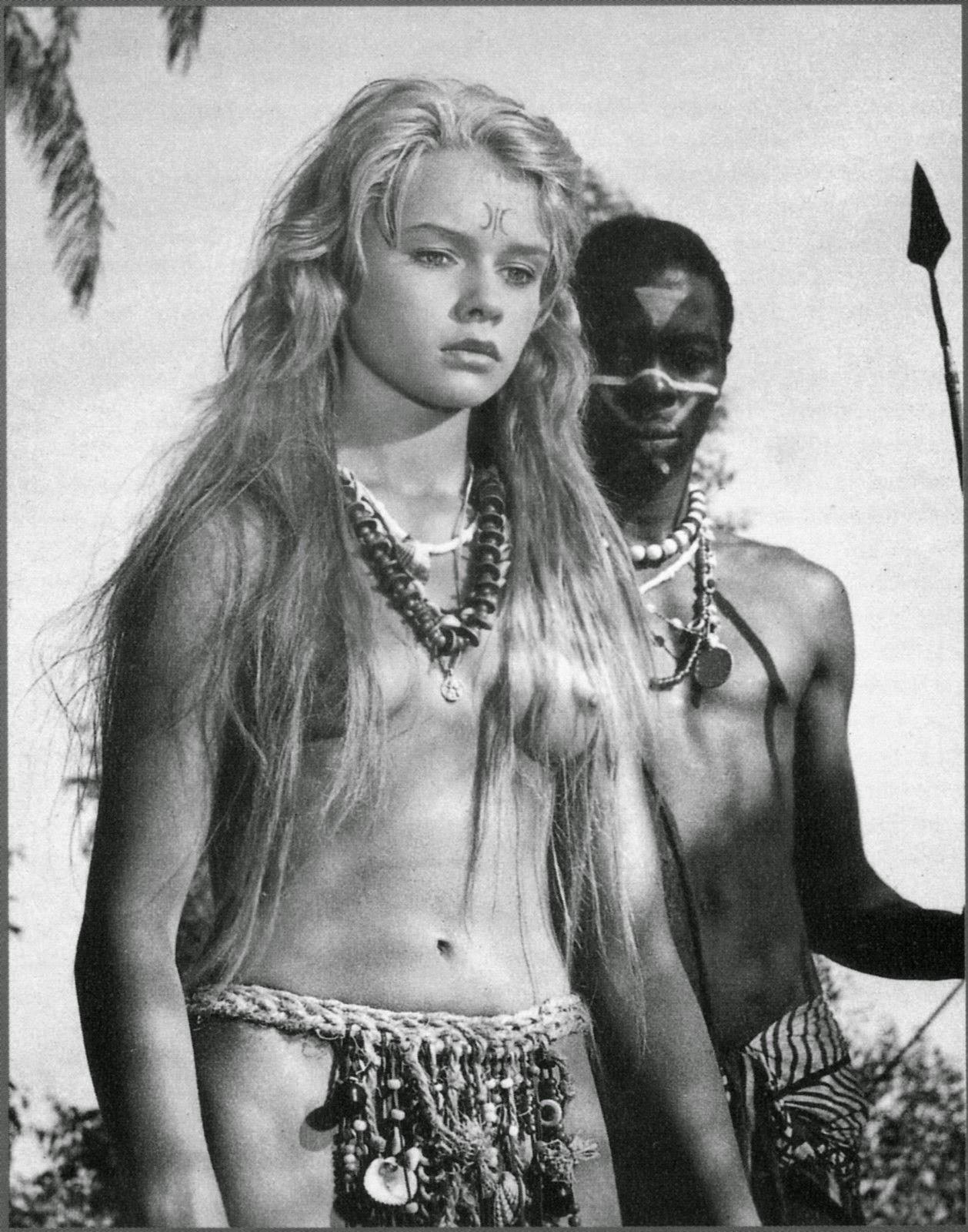 African Women Nude In Jangel 40