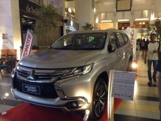 pameran mobil surabaya