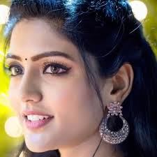 Eesha Rebba Hits, Flops, Blockbusters, Box Office Records, Eesha Rebba Top 10 Highest Grossing Films mt Wiki, Eesha Rebba Top 10 Highest Grossing Films Of All Time wikipedia, Biggest hits of his career, Wiki, Box Office Indian, koimoi