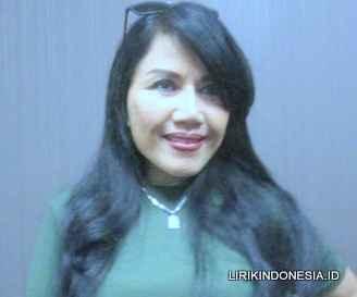 Lirik Tak Pernah dari Rita Sugiarto