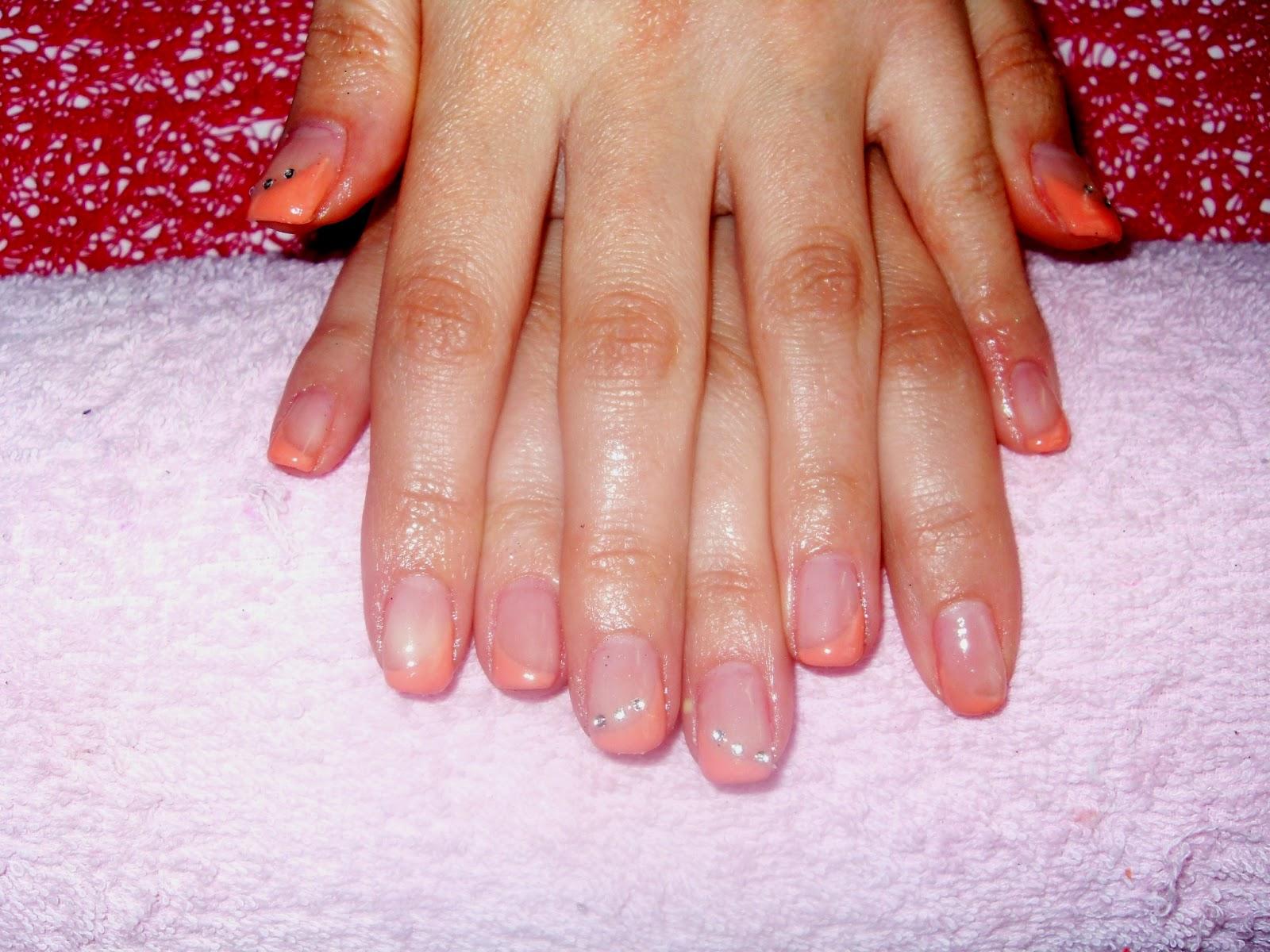 Dreaming nails Stesura di gel su unghie naturali french