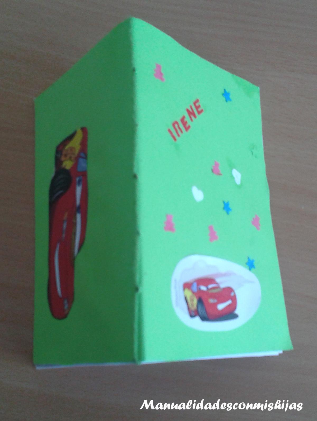 Reto facilisimo - Vuelta al cole: Libreta reciclada - Rayo McQueen-proceso