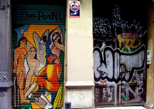 """Grafite na Carrer de Avinyó reproduz """"Le Demoiselles 'Avignon"""", de Picasso"""