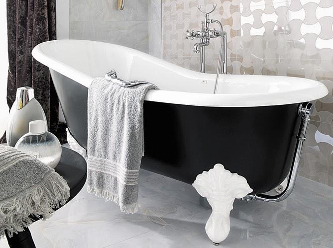 les baignoires pattes de lion caract rielle. Black Bedroom Furniture Sets. Home Design Ideas