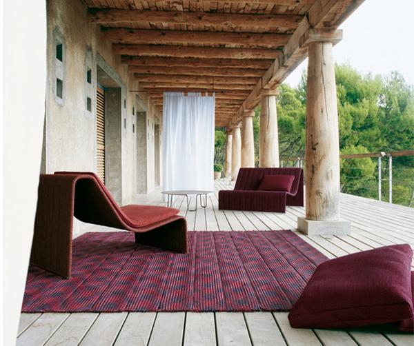 Desain Kursi Santai Sederhana untuk Taman Rumah Minimalis
