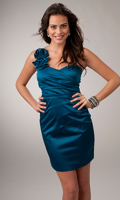 vestido de moda sin manga