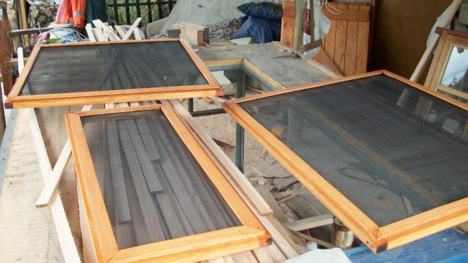 Como hacer una mosquitera casera para ventanas aprender for Bricolaje en madera gratis