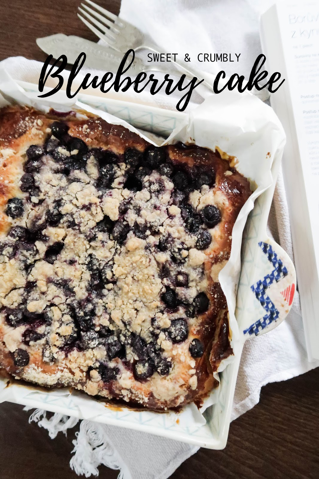 Sweet & crumbly blueberry cake