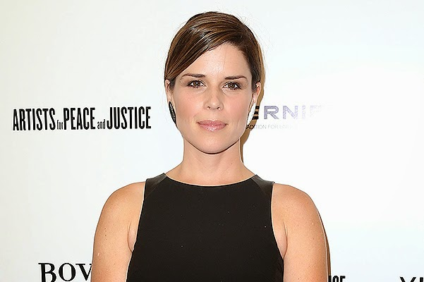 "Neve Campbell - yes, the star of horror films ""Scream"" is also in an interesting position!"