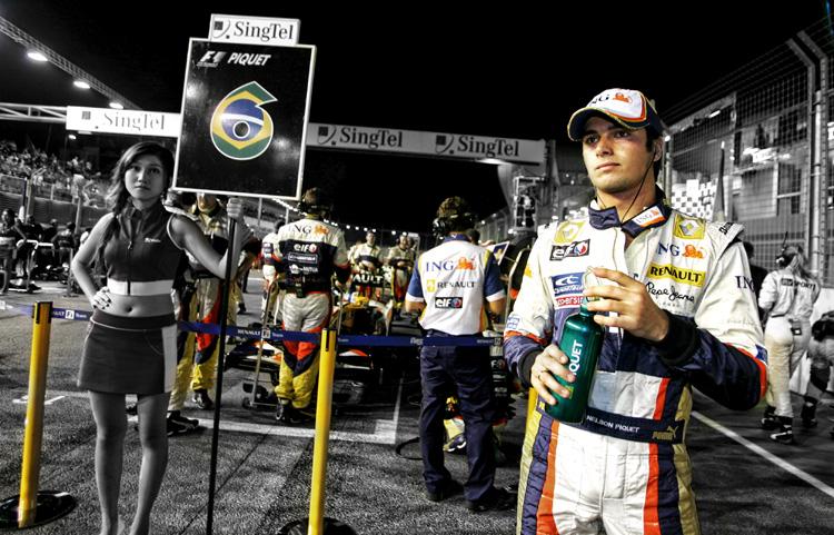 Nelson (Nelsinho) Piquet Jr. en la parrilla del GP de Singapur 2008 donde sucedió el crashgate