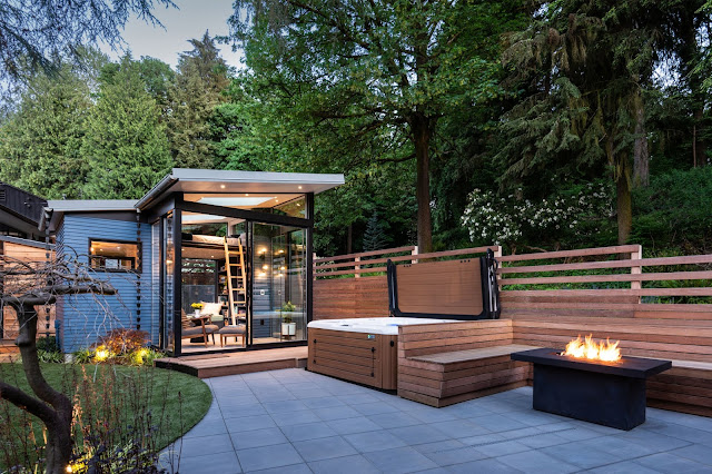 Seattle backyard reading nook
