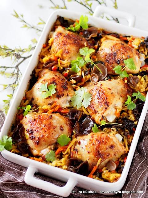 zapiekanka ryzowa z warzywami i  kurczakiem, kurczak, mieszanka chinska, bukiet chinski poltino, obiad z poltino, mrozonki, danie jednogarnkowe, obiad z piekarnika, co na obiad, udka kurczaka, ucho bzowe, uszaki bzowe