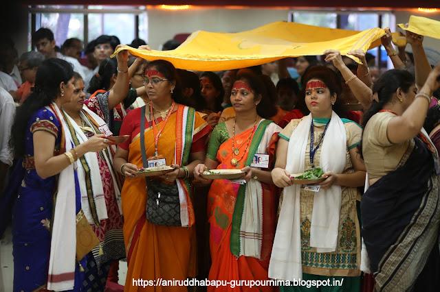 Shraddhavan-doing-Trivikram-श्रीत्रिविक्रम-Mahapoojan-Gurupournima-Utsav-गुरुपूर्णिमा-उत्सव--Mumbai