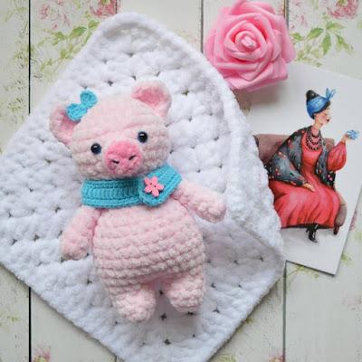Свинка из плюшевой пряжи