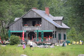 Jagdhaus Seewiese aus Spectre, Dietrich Mateschitz