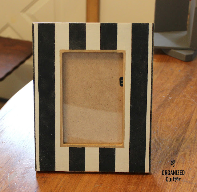 Fun DIY Frame Upcycling Ideas #upcycledframes #mackenziechildsinspired #dixiebellepaint #upcycle #stencil #goldtrim