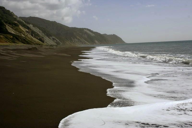 чёрные пляжи камчатки тихий океан