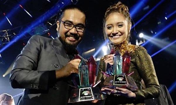 Ayda Jebat, Johan Rangkul Anugerah MeleTOP Era 2016