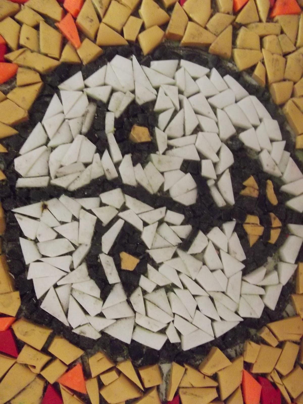 Cocugumla Eglenirken Kartondan Mozaik Calismasi