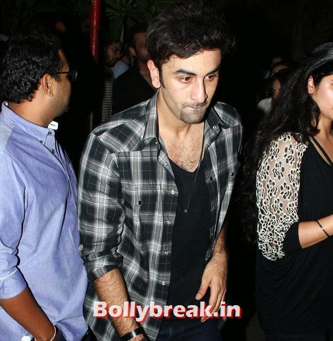 Ranbir Kapoor, Shriya Saran, anushka, Preeti & Ranbir at Plai Bhawan Bar Events